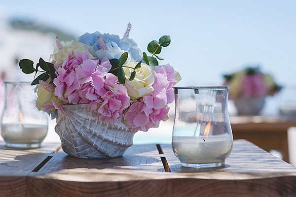 Pink-and-blue-wedding-flowers
