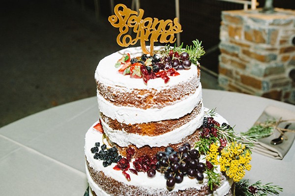 naked-wedding-cake-fruit