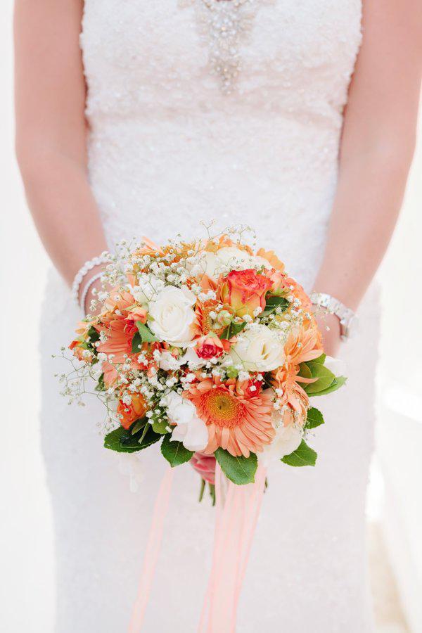 peach-bridal-bouquet