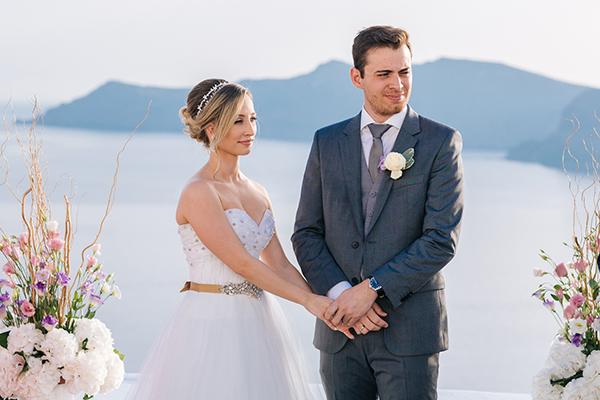 wedding-ceremony-in-oia
