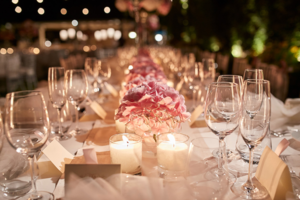Blush-and-gold-elegant-wedding-ideas (1)