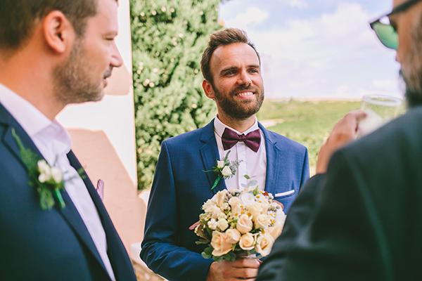 bridal-bouquet-roses-chamomile