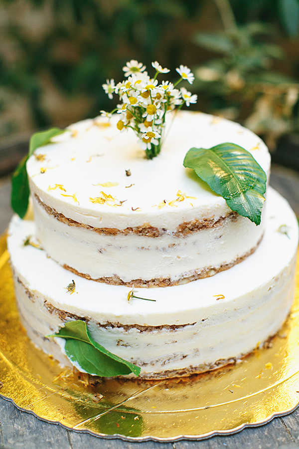 frosted-naked-cake