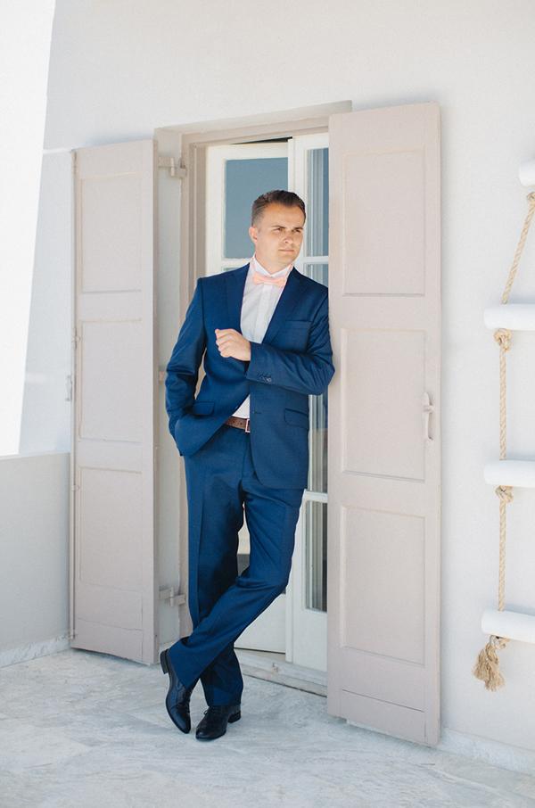 groom-suit-for-island-wedding
