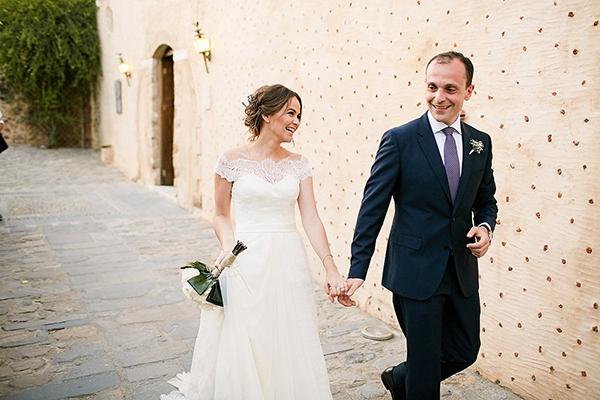 off-shoulders-wedding-dress (2)