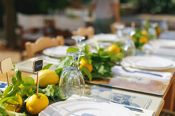 wedding-decoration-with-lemons