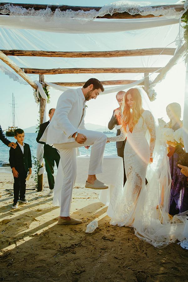stylish-beach-wedding (1)