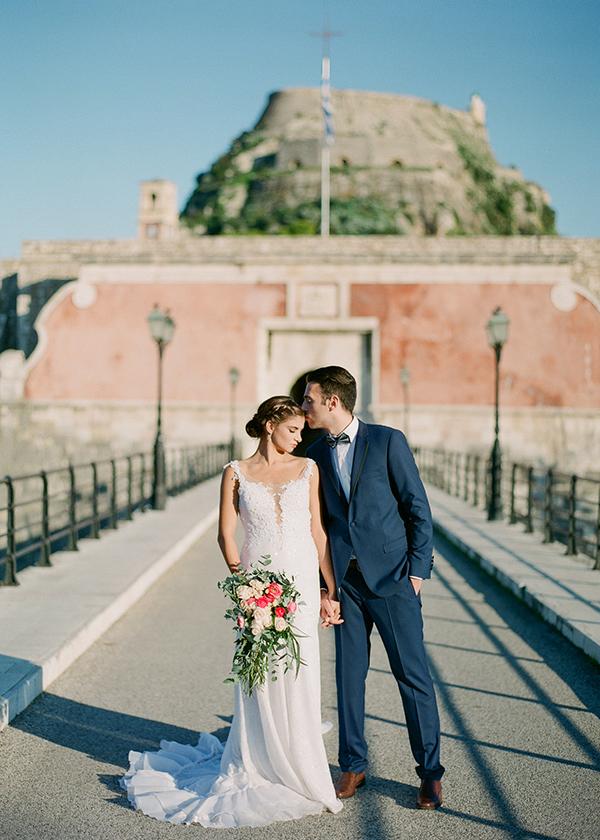 cascading-bridal-bouquet