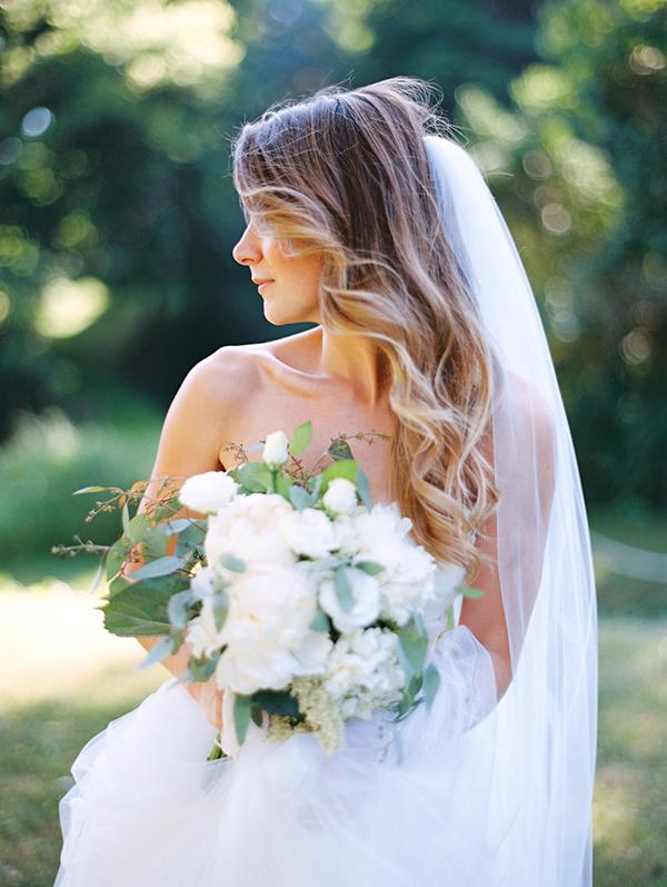 white-bridal-bouquet
