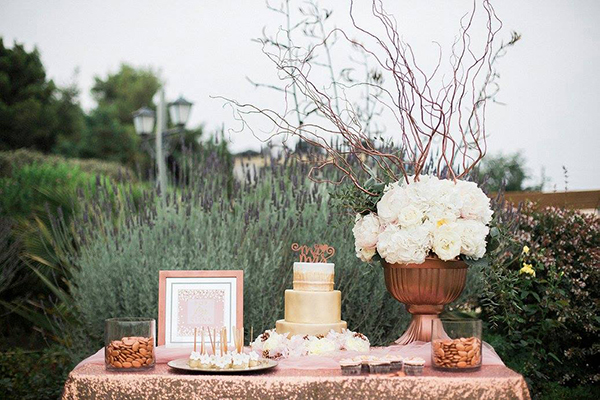 rose-gold-dessert-table