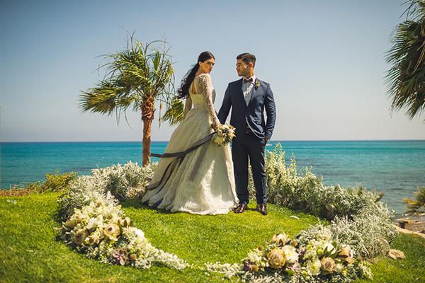 stunning-ceremony-setting