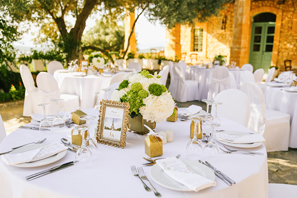 wedding-decoration-gold-frames