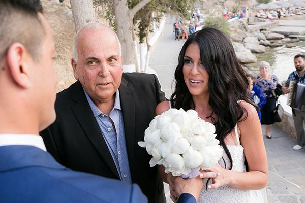 bridal-bouquet-peonies