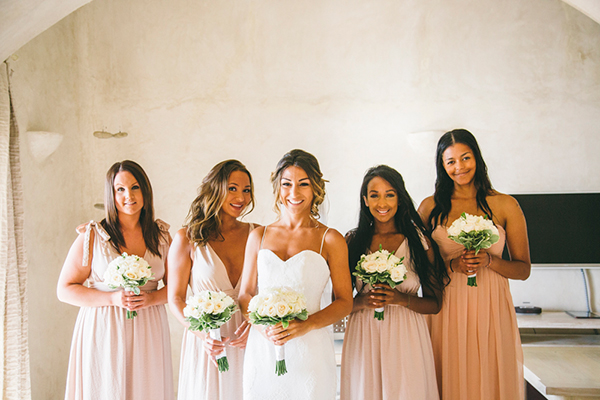 bride-bridesmaids-photos-santorini