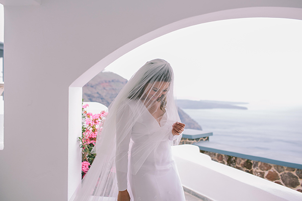 modern-wedding-dress-santorini-wedding