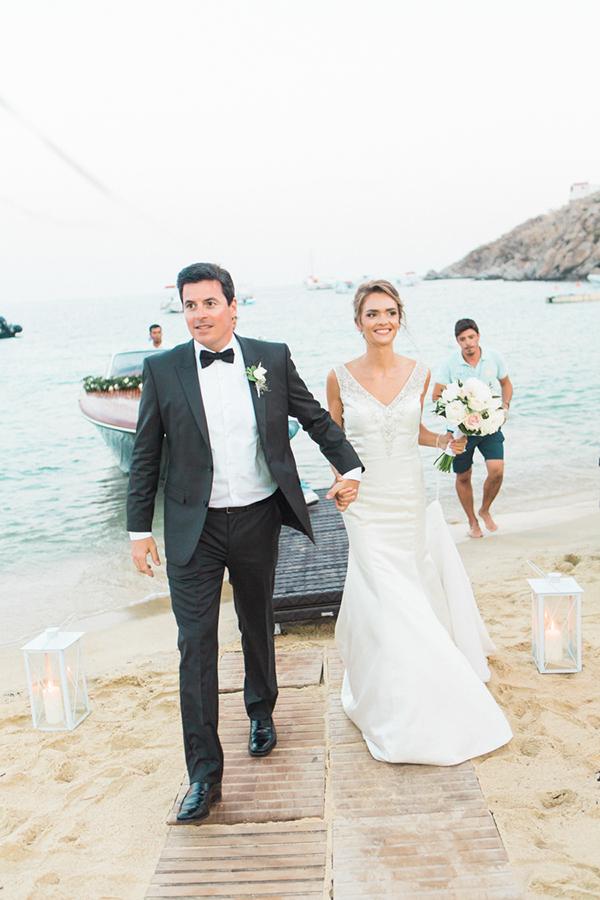 v-neck-wedding-dress-1