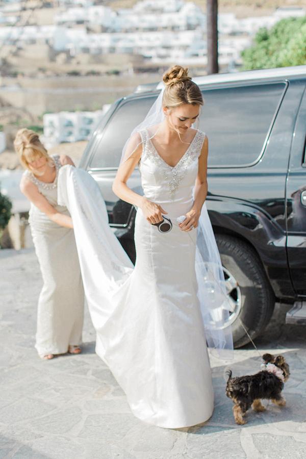 v-neck-wedding-dress-2