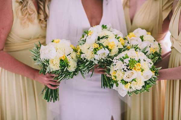 white-pale-yellow-bouquettes