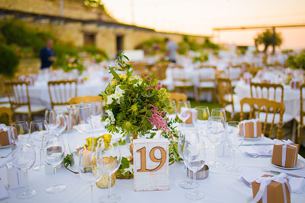 mediterranean-chic-wedding-decorations