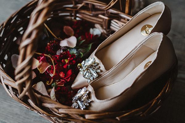 brides-shoes-wedding