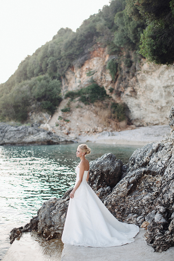 yellow-white-wedding-corfu-49