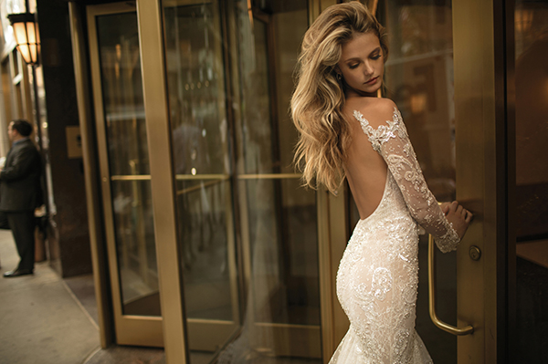 berta-wedding-dresses-bridal-collection-fall-2017-31