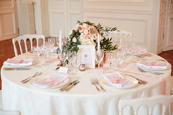 Chic rose gold inspiration shoot in a French Castle - Chic ...