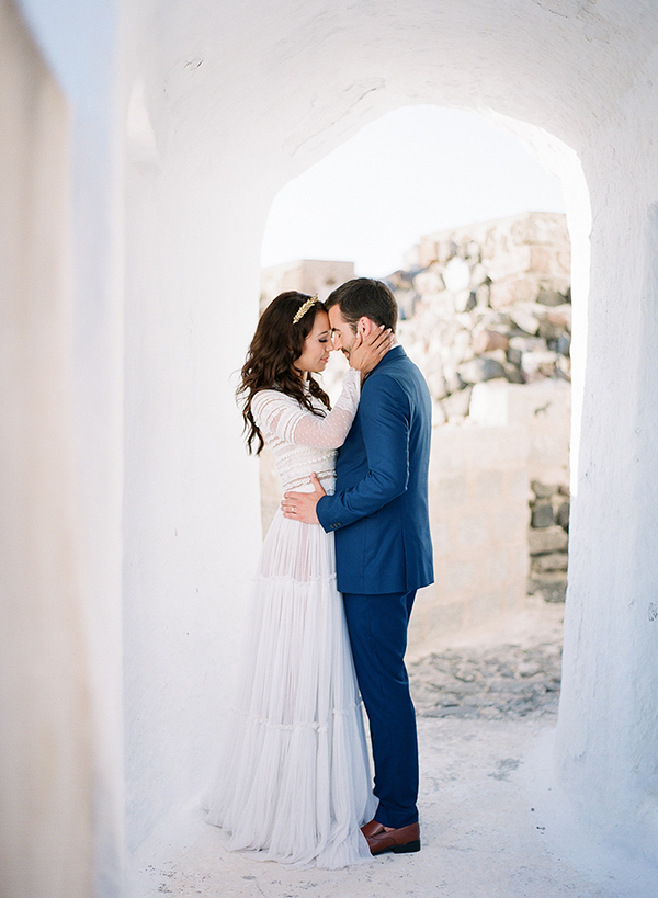 Beautiful honeymoon shoot in Santorini