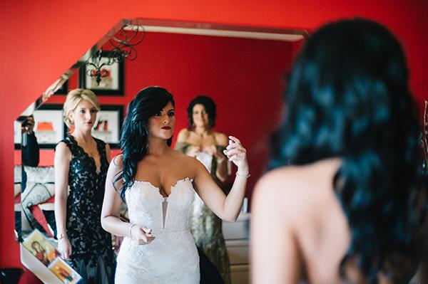 glamorous-wedding-gold-burgundy-colors-13