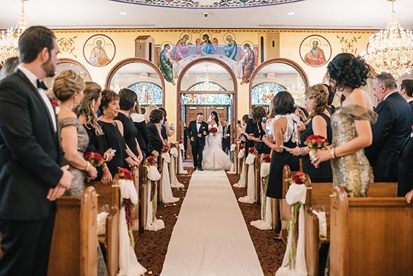 glamorous-wedding-gold-burgundy-colors-25