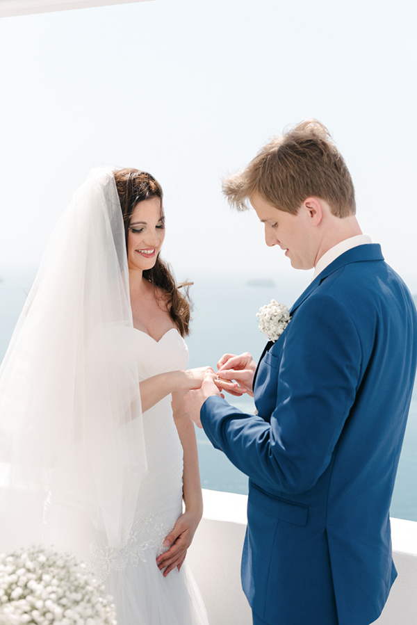 intimate-destination-wedding-santorini-10