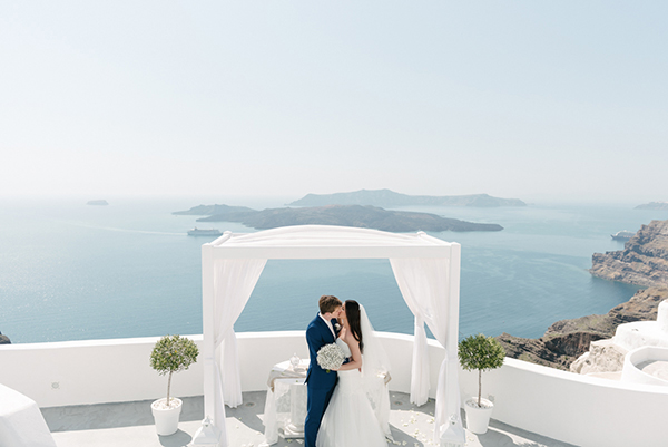 intimate-destination-wedding-santorini-13
