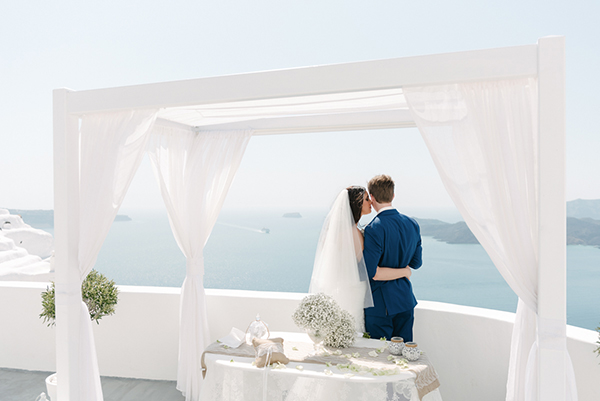 intimate-destination-wedding-santorini-15