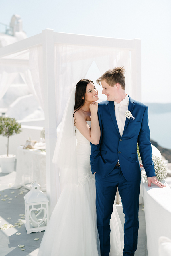 intimate-destination-wedding-santorini-2