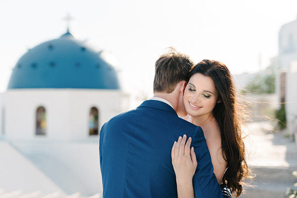 intimate-destination-wedding-santorini-3