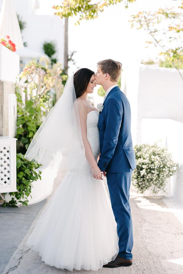 intimate-destination-wedding-santorini-4
