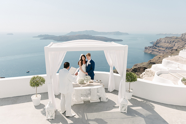 intimate-destination-wedding-santorini-9