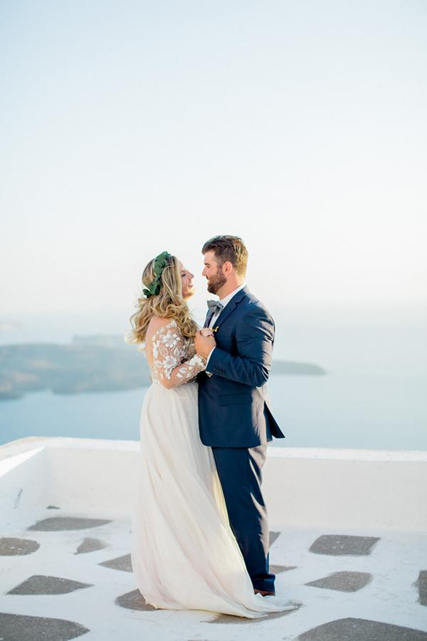 romantic-elopement-in-santorini-2