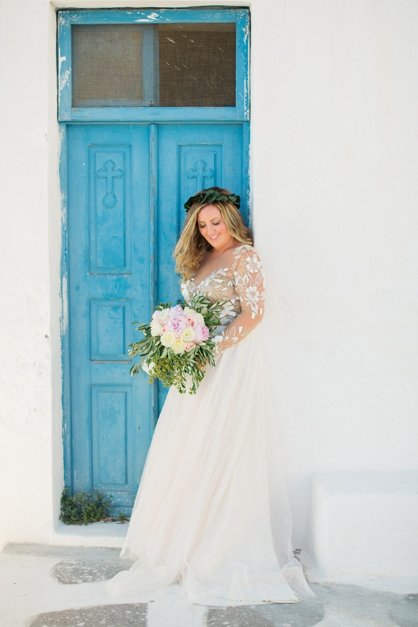 romantic-elopement-in-santorini-4