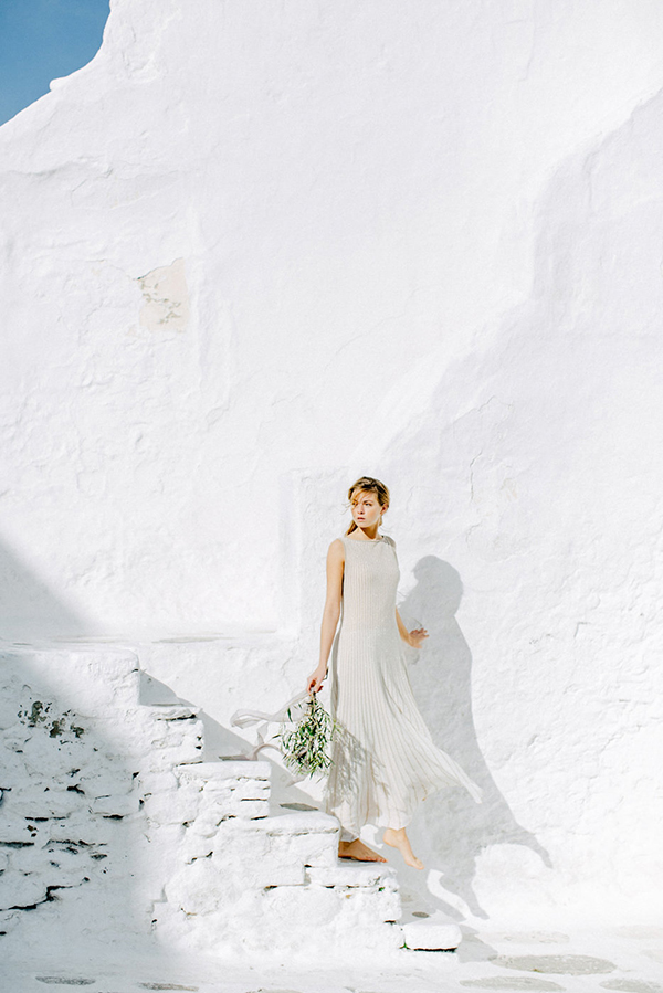 beautiful-ethereal-shoot-Mykonos-16