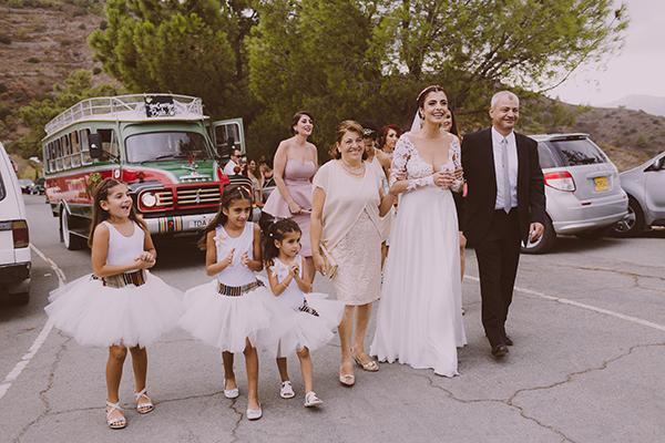 beautiful-rustic-wedding-in-cyprus-12