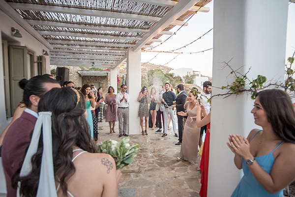 bohemian-destination-wedding-in-mykonos-25