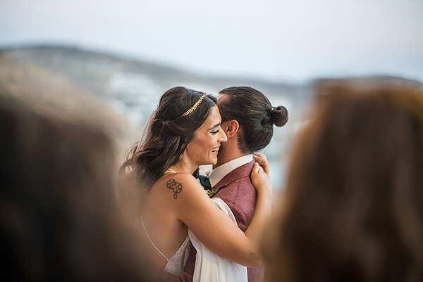 bohemian-destination-wedding-in-mykonos-26