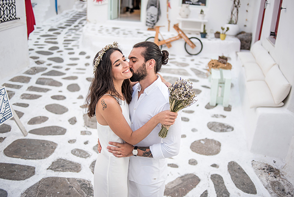 bohemian-destination-wedding-in-mykonos-30