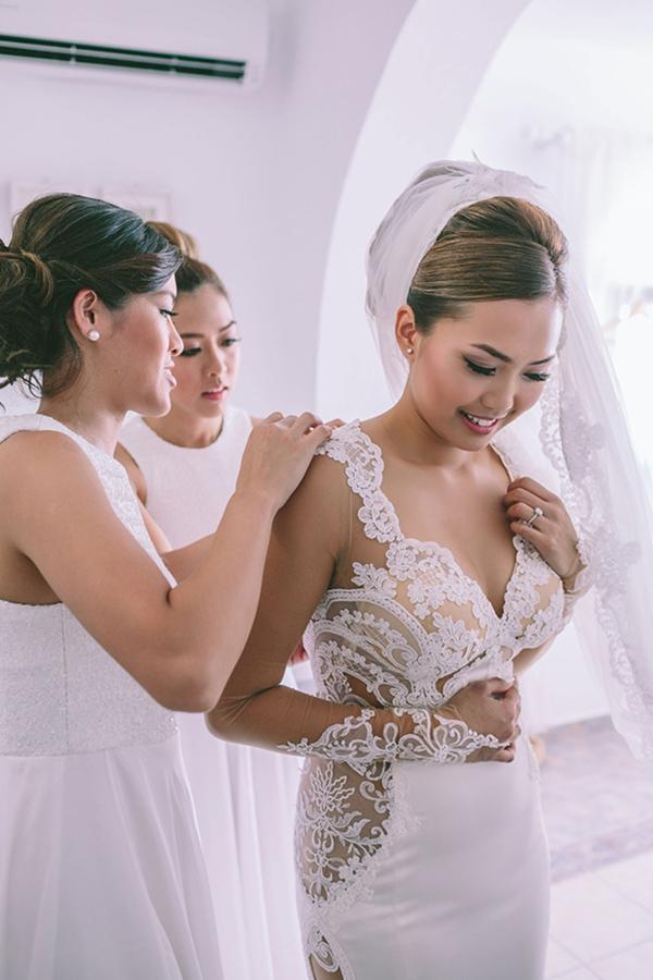 chic-destination-wedding-Santorini-10