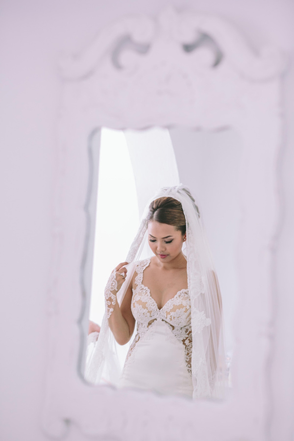 chic-destination-wedding-Santorini-15