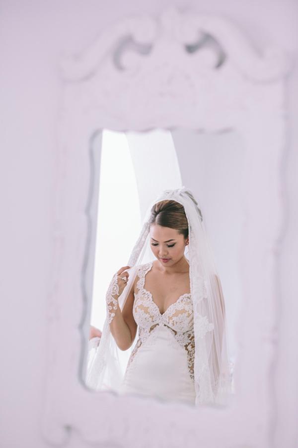chic-destination-wedding-Santorini-15
