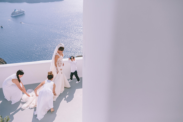 chic-destination-wedding-Santorini-16
