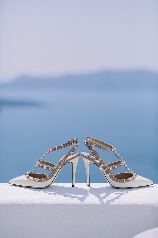 chic-destination-wedding-Santorini-2