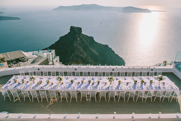 chic-destination-wedding-Santorini-21
